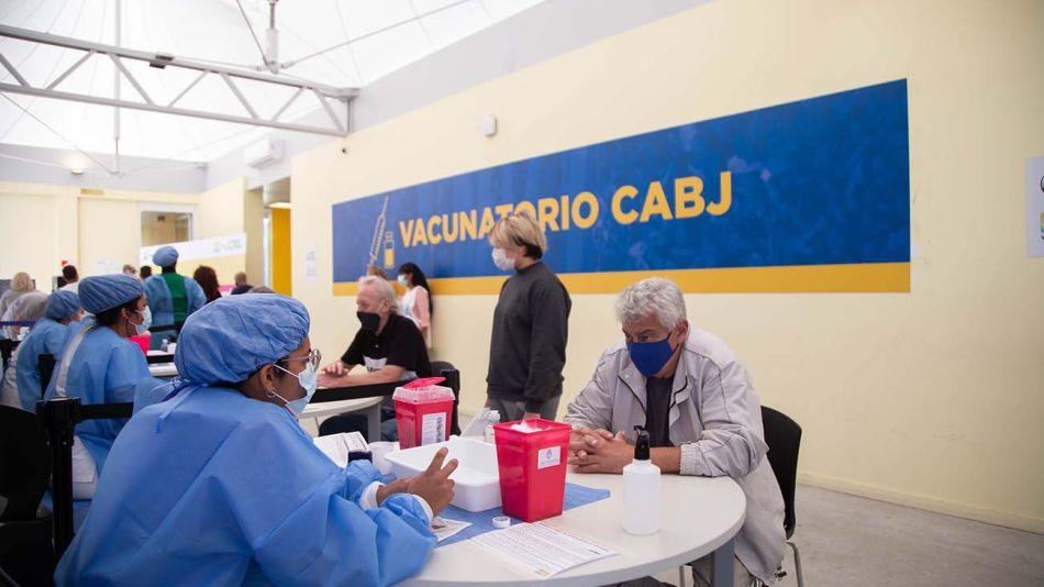vacunación en Clubes 20210608