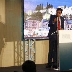 Oscar López, presidente y CEO de Paradores de Turismo de la Madre Patria manifestó su preocupación ante la crisis que aqueja al turismo español.