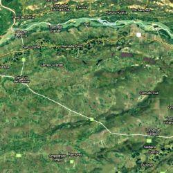 El problema data de varios años y se acentuó ahora, con un volumen de la cuenca del Paraná muy disminuido por la construcción de una represa, en Brasil, otra que estaría finalizando en Paraguay y la importante falta de lluvias.