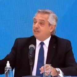 Alberto Fernández en conferencia con Pedro Sánchez.  | Foto:CEDOC