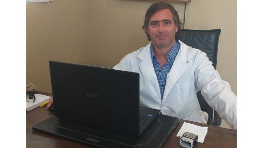 El Dr. Germán Pace es cirujano traumatólogo con más de 25 años de experiencia profesional. especialista en cirugías miniinvasivas del tobillo y cirugía percutánea del pie en CABA.