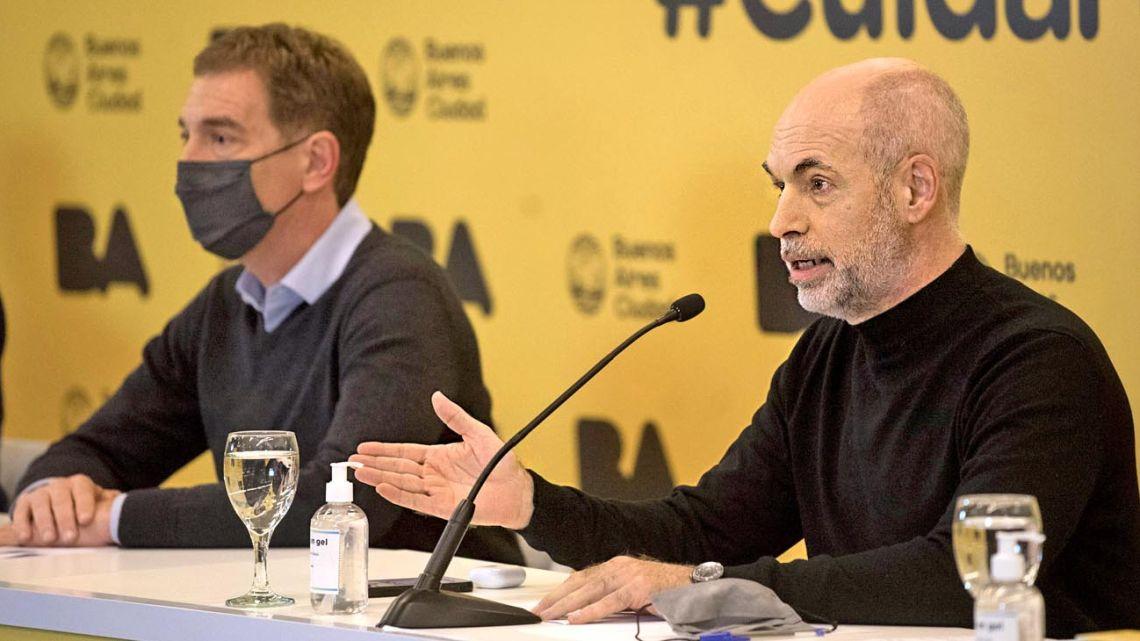 Buenos Aires City Mayor Horacio Rodríguez Larreta (foreground) and Deputy Mayor Diego Santilli.