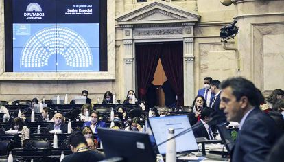 Tropezón. El oficialismo buscó votos para la ley epidemiológica pero el jueves no pudo votarla.