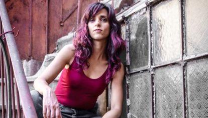Flor viene de grandes experiencias como sesionista y musicalizadora de películas y obras de teatro.