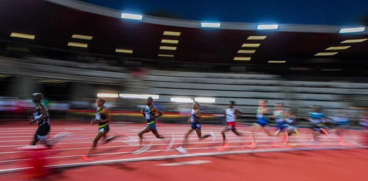 Los atletas compiten en los 5000m Masculinos durante la reunión de atletismo de la Diamond League en el estadio Asics Firenze Marathon Luigi-Ridolfi en Florencia.