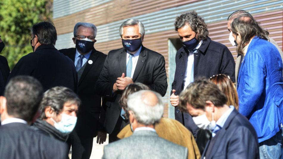 Alberto Fernández y su gabinete firmaron el nuevo DNU con las restricciones vigentes desde este sábado 12 de junio.