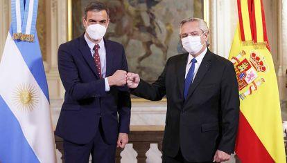 Selva. Fernández confundió citas en la reunión con Sánchez y desde Brasil, el mandatario Jair Bolsonaro aprovechó para ridiculizarlo.