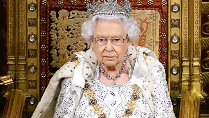 Isabel II tomó una contundente decisión tras enterarse del libro que escribió Harry