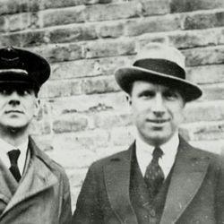 Alcock y Brown fueron nombrados Caballeros Comendadores de la Muy Excelente Orden del Imperio Británico KBE.