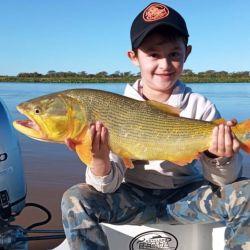 Joaquín, el más pequeño de la familia dio cátedra de pesca al conseguir uno de los mejores portes.