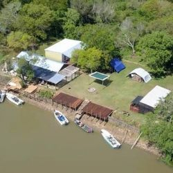 Los Enrique hicieron base en Campamento La Amistad, una operación de su propiedad donde van a encontrar todas las comodidades para el pescador deportivo.