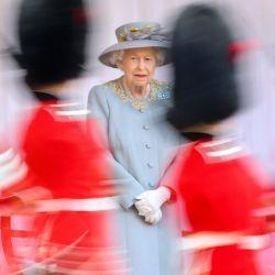 La Reina Isabel II asiste a una ceremonia en el Castillo de Windsor para celebrar su 95º cumpleaños oficial.   Foto:Chris Jackson / PA Wire / DPA