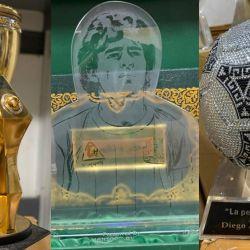 Los trofeos que Maradona guardaba en una baulera.    Foto:CEDOC
