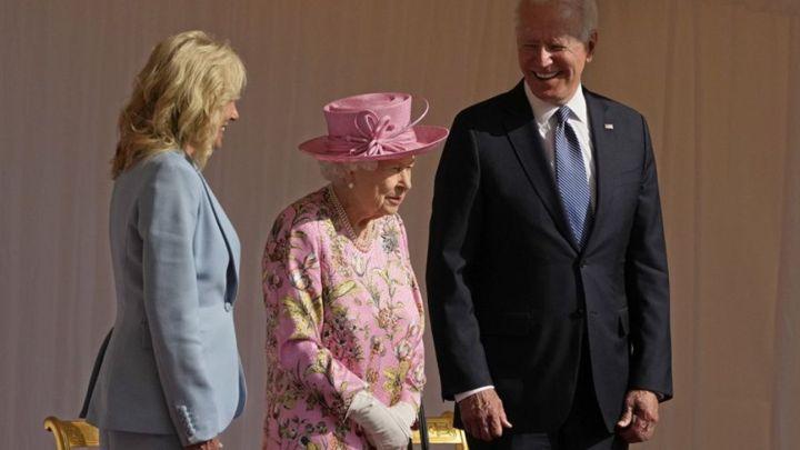La reina Isabel II tuvo un particular detalle con sus invitados en Windsor
