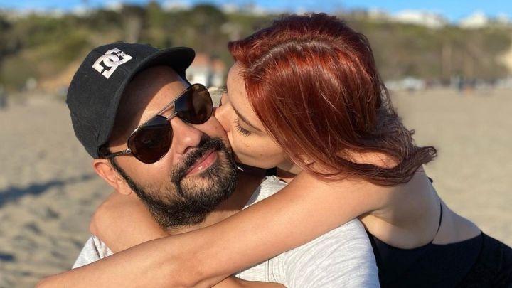 Románticos en la playa: las fotos de Eva de Dominici y Eduardo Cruz
