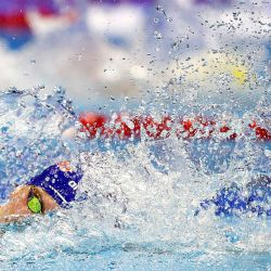 Kieran Smith, de Estados Unidos, compite en una semifinal de los 200 metros libres masculinos durante el segundo día de las pruebas de natación del equipo olímpico de Estados Unidos 2021 en el CHI Health Center en Omaha, Nebraska. | Foto:Maddie Meyer / Getty Images / AFP