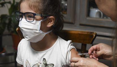En Estados Unidos y Europa, la vacuna de Pfizer está aprobada para jóvenes a partir de los 12 años.