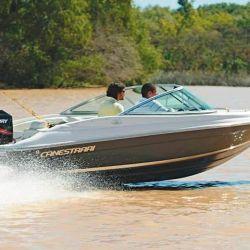 El planeo de la Canestrari 160 es rápido y limpio, lo que garantiza un bajo consumo  de combustible.