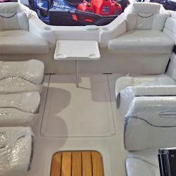 Los asientos back to back tienen la opción de rebatirse por completo y convertirse en cama para tomar sol.