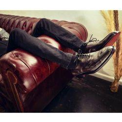 De borcegos a clásicos acordonados: tres firmas de zapatos de autor para hombres