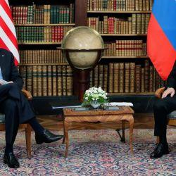 El presidente estadounidense Joe Biden se reúne con el presidente ruso Vladimir Putin en la 'Villa la Grange' en Ginebra. | Foto:Mikhail Metzel / SPUTNIK / AFP