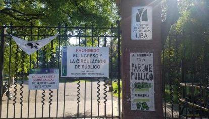 Vecinos y legisladores impulsan la reapertura del Parque Agronomía.