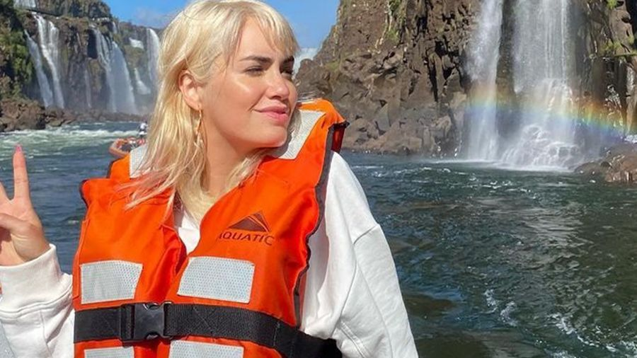 El 15 de julio Lali debe retomar las grabaciones  de La Voz. Y empezará a rodar la serie de Amazon Prime que produce junto a Tamara Tenembaum, El fin del amor.