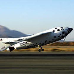 El 21 de junio de 2004 Space ShipOne se convirtió en el primer viaje espacial de origen privado.