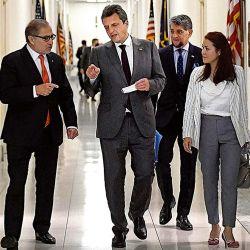 Sergio Massa junto al embajador argentino en Estados Unidos Jorge Argüello.   Foto:Cedoc.