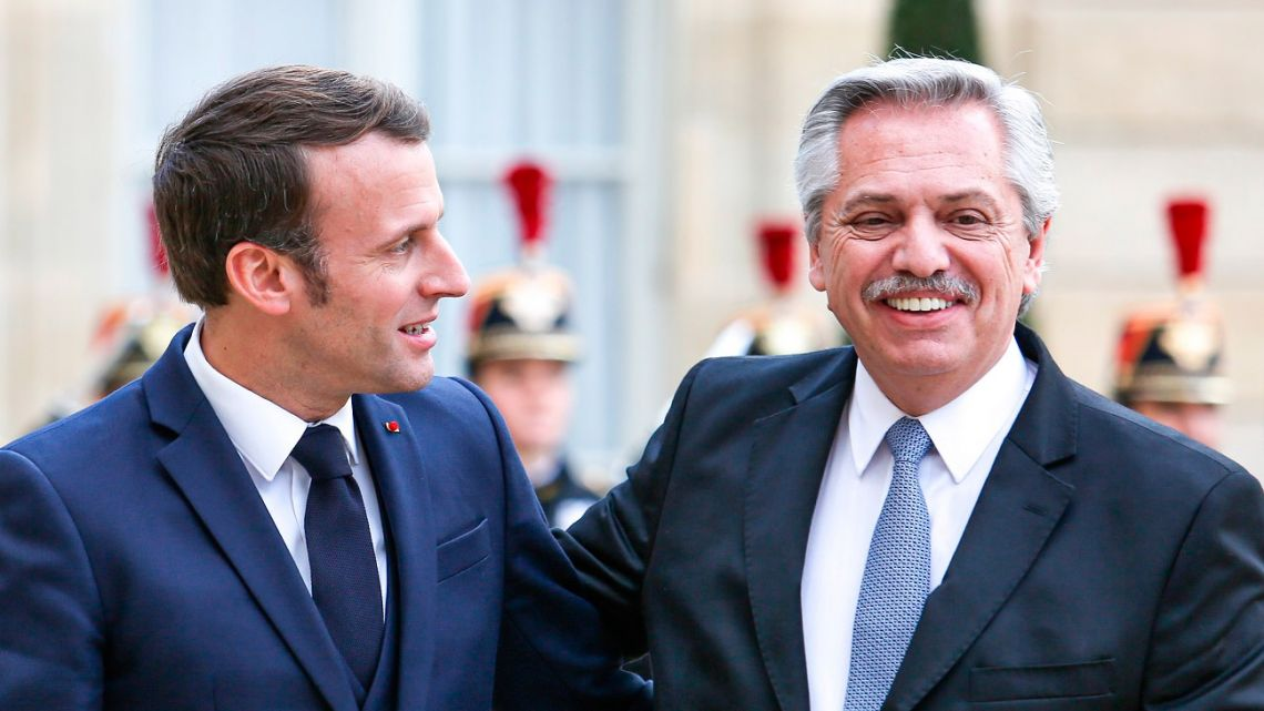 President Alberto Fernández (right) and French President Emmanuel Macron, pictured during their last meeting in May 2021.