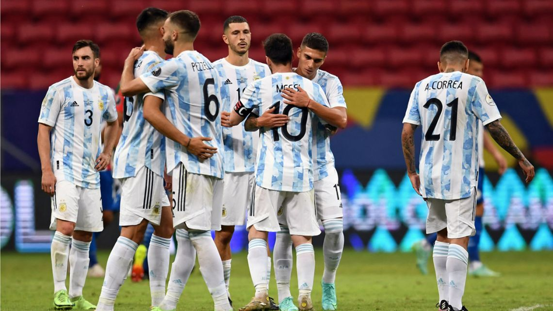 Argentina's footballers react at the end of the CONMEBOL Copa América 2021 football tournament group phase match against Paraguay at the Mane Garrincha Stadium in Brasilia on June 21, 2021.