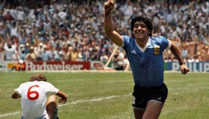 Segundo gol de Diego a Inglaterra