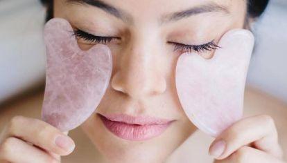 Gua Sha: qué es y cómo se usa este secreto beauty que promete rejuvenecer la piel