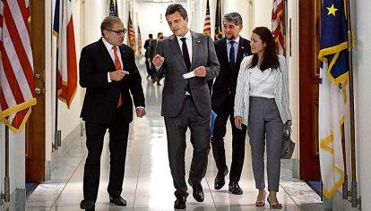 Sergio Massa junto al embajador argentino en Estados Unidos Jorge Argüello.