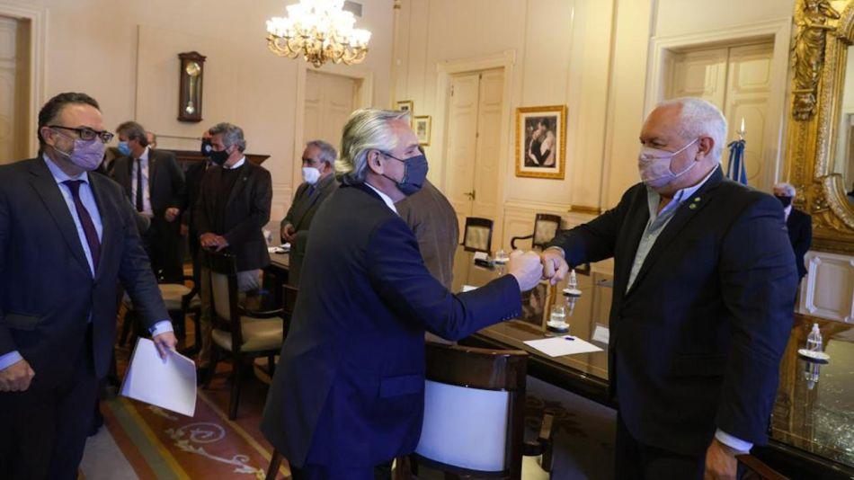 Alberto Fernández recibe a las entidades del campo