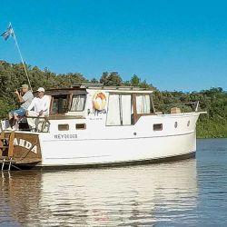 El Tonawanda, un barco de madera de cedro que recorre el Jaaukanigás hace 26 años.