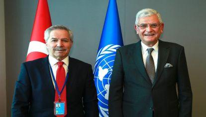 El canciller Felipe Solá junto a Volkan Bozkir, presidente de la Asamblea General de las Naciones Unidas
