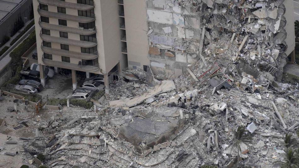 Derrumbe en Miami 20210624