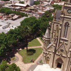Es sede de la Fiesta Nacional del Salame Quintero, de la Fiesta Nacional del Durazno y de la Fiesta Provincial de la Torta Frita.