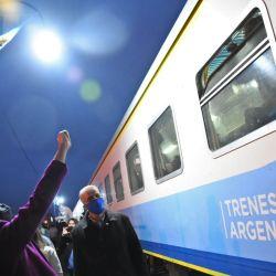 El tren que va hacia Rosario se detendrá todos los días en Arroyo Seco a las 21:46 horas, en tanto que a la vuelta lo hará a las 01:54 de la madrugada.