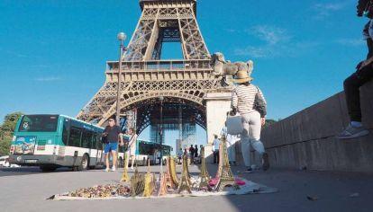 París en la mira: trucos para viajar en los próximos meses pagando el aéreo ahora.