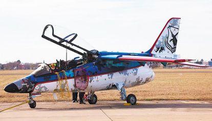 Nacional. La aeronave hizo una prueba de vuelo durante el acto.