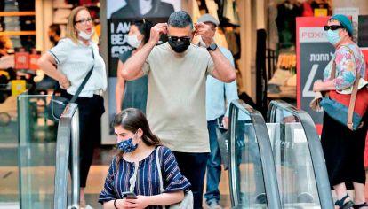 Tensa calma. El aumento de casos preocupó a Sanidad, hubo una revisión de las medidas. Pero el viernes, se habilitó la famosa marcha del orgullo en Tel Aviv.