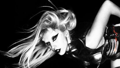 Lady Gaga y sus guiños al bondage para el arte de tapa de Born This Way.