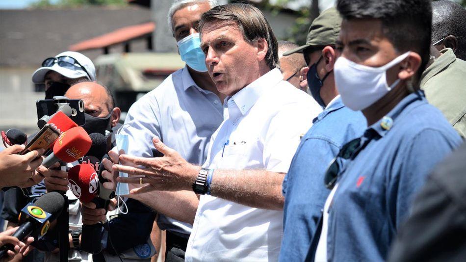Bolsonaro con los medios 20210625