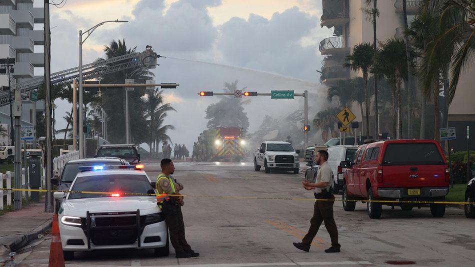 Derrumbe en Miami Viernes 20210625