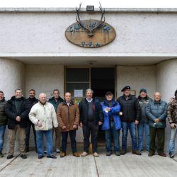 Socios y autoridades que se hicieron presente el Sector Caza Mayor, el último polígono que quedaba en actividad.