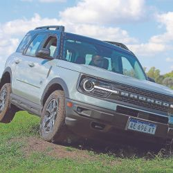 El Ford Bronco  Llega con el mismo espíritu de 50 años atrás, pero con toda la tecnología actual… para pasar por cualquier lado.