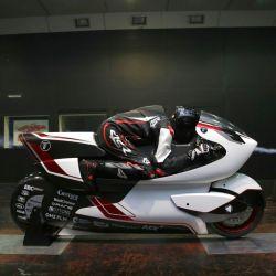 Esta cuestión aerodinámica fue tan importante al momento de diseñar la moto que básicamente todos los aspectos están supeditados a ella.