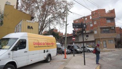 Unidades móviles de testeos en barrios populares.